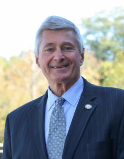 Kenneth Schmitt